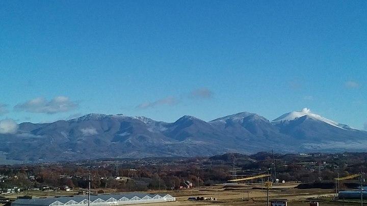 写真:当町から浅間山麓を望む